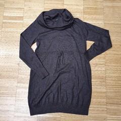 Svetrové těhotenské šaty H&M